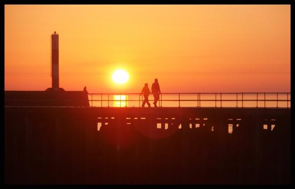 sunset silouhette by catrinarthur