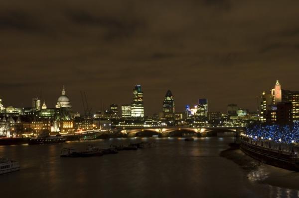 London by Night 1 by nikon_stu