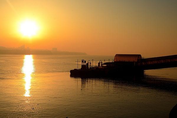 Woodside Ferry Sunrise by PaulSR