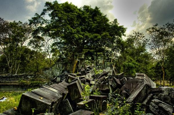 Ruins Cambodia by GeePanesar