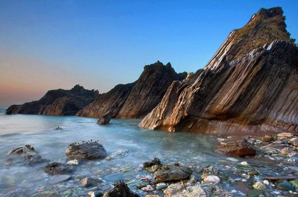 On the rocks by shandyman