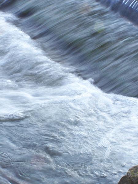 Rushing Water by WilliamRoar