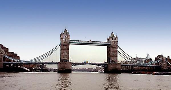 Tower Bridge by susanbarton