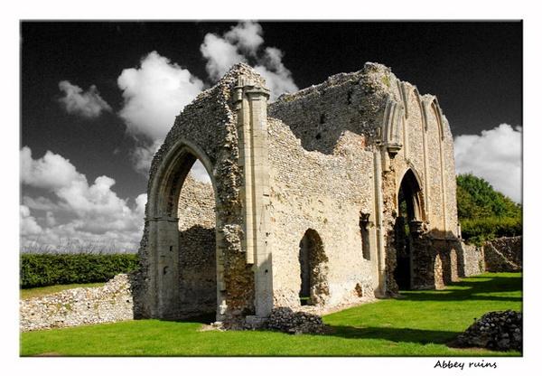 abbey ruins by NEWMANP