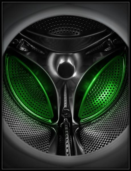 Mechanised Alien by Morpyre