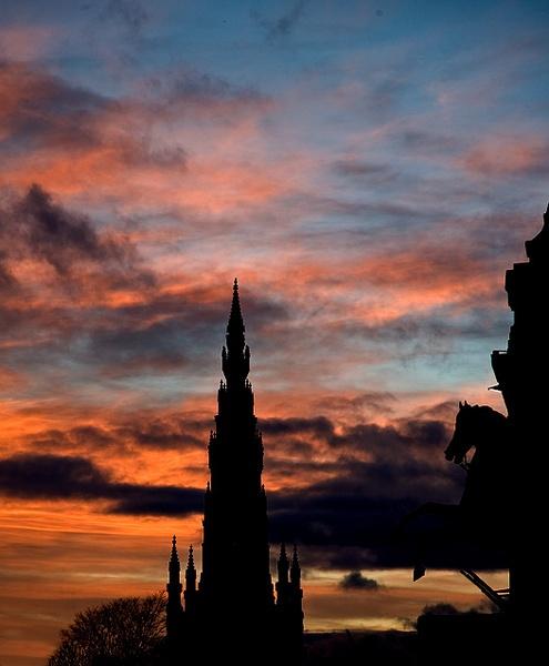 Scene from Edinburgh by carrot_heid