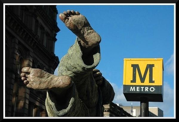 Take the weight off, take the Metro. by Scaramanga
