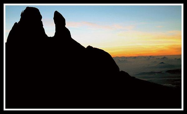 kinabalu sunrise by yelnats