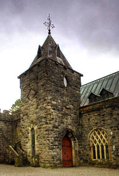 St Connan\'s Church by rowarrior