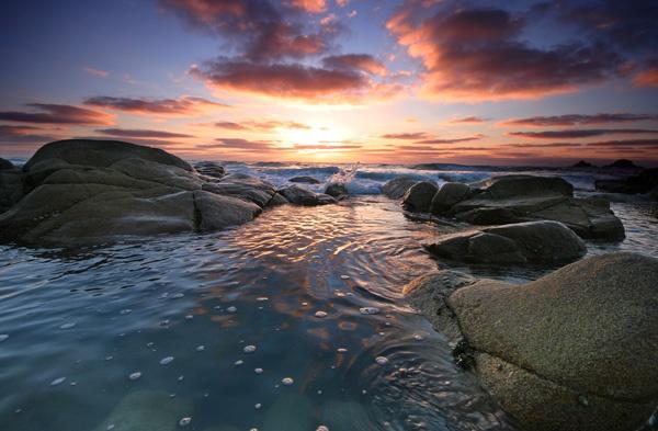A Splash of Sunset by renavatio