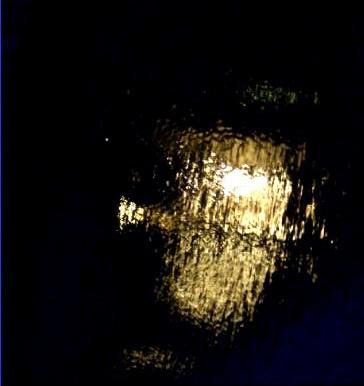 Reflection below by krissyohme