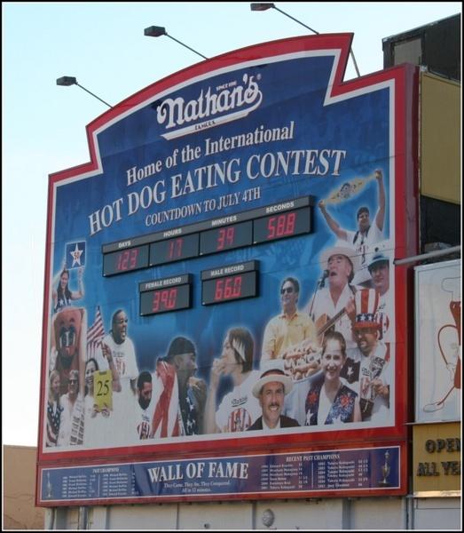 Hot Dog! by urban-hero