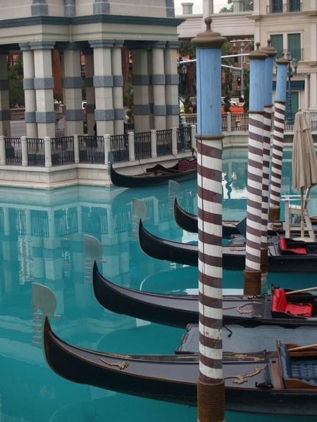 Vegas Gondolas by gossyboy