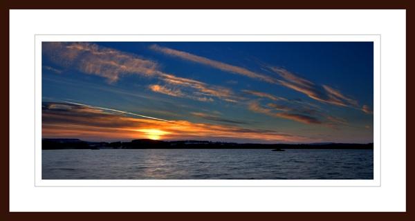 LOCH SKENE AT SUNSET by JASPERIMAGE