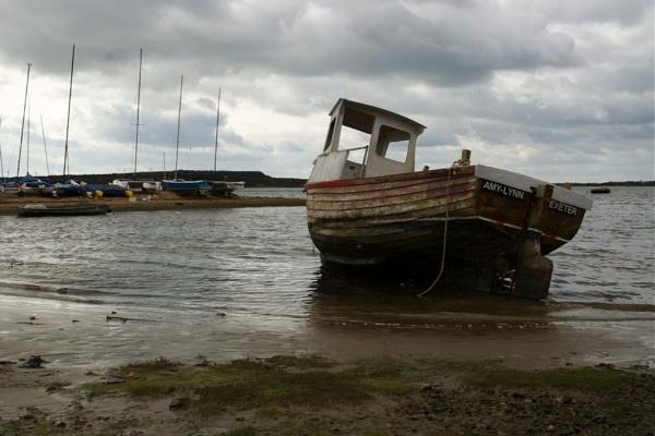 Stranded Boat by yasika