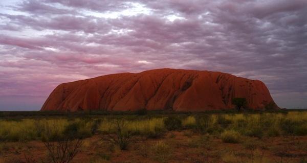 Uluru by henry