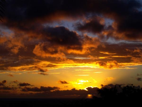 Sunset Saint Maatren by chensuriashi