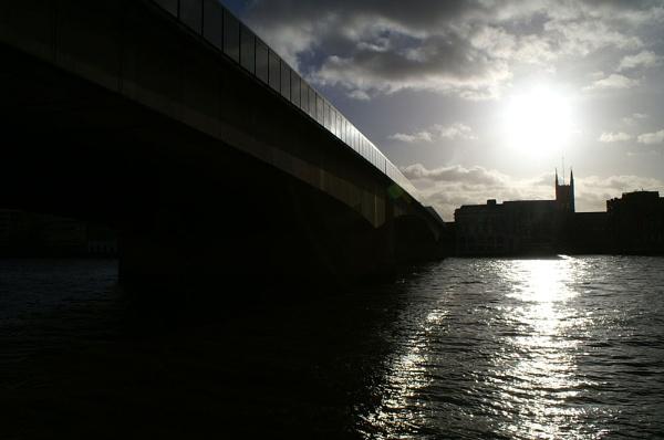 London Bridge by jinstone