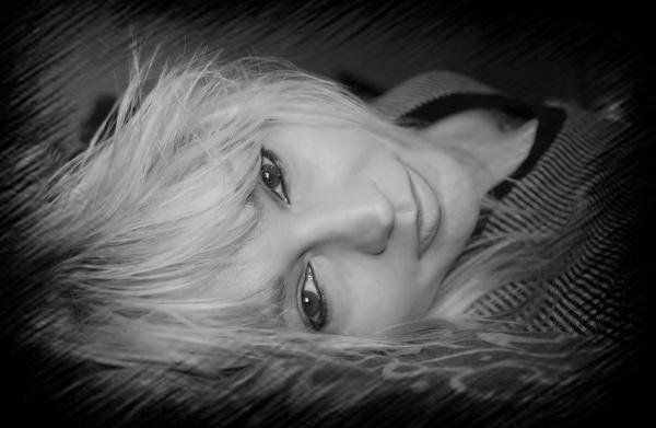 selfportrait by Lindaephotozine