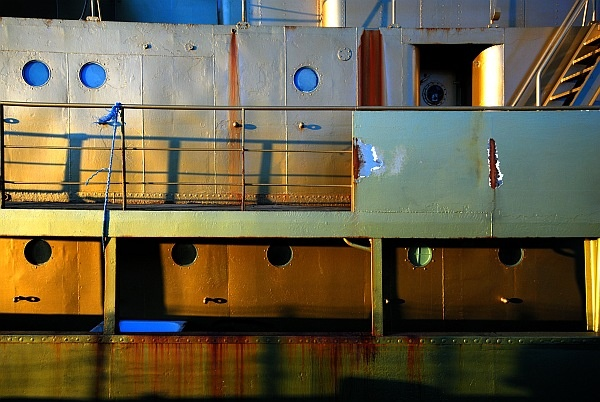 Gold Ship by simon_stacey