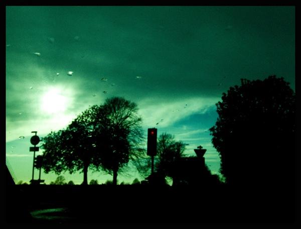*untitled urban scene* by iainpb