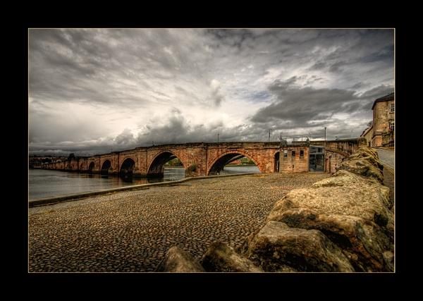 Storm\'n The Bridge by Stewy