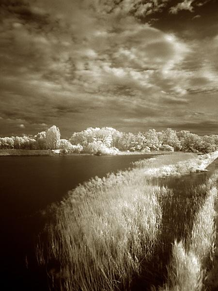 Riverside by hgabi