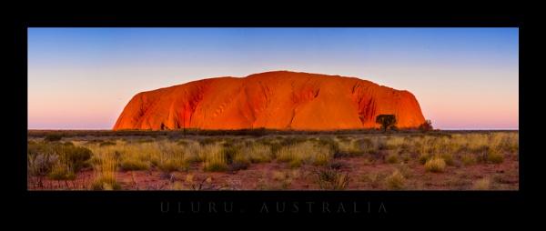 Uluru by nickwalker9