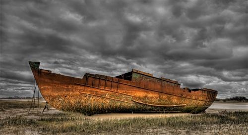 Rusty Wreck by ryanz
