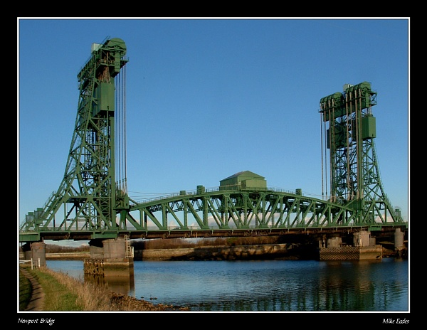 Newport Bridge by oldgreyheron