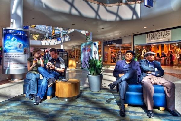 Mall Life by themoabird