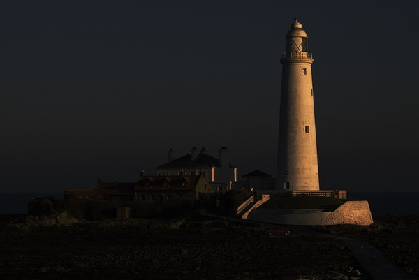 St Mary\'s Lighthouse by arodmell