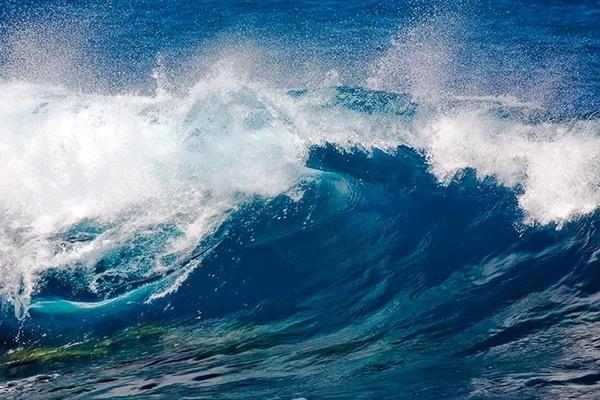 Breaking Wave by MarcPK
