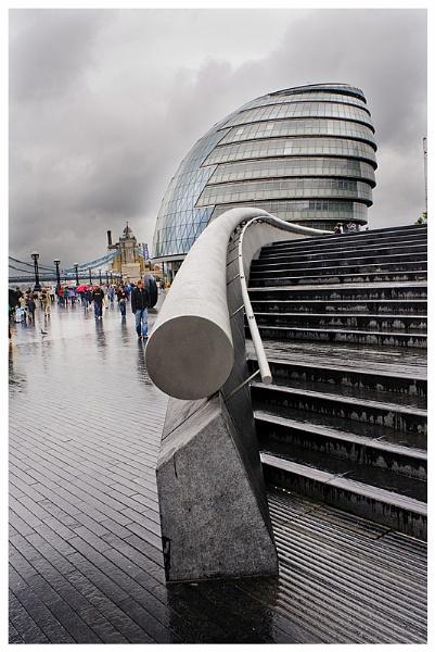 City Hall - London by Vixs