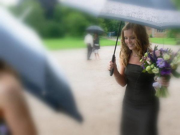 Happy, rainy day by Helen1980