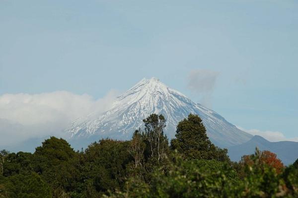 Mt. Egmont by palmypom