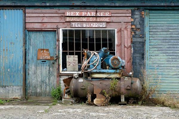 Garage & Compressor by deniswest