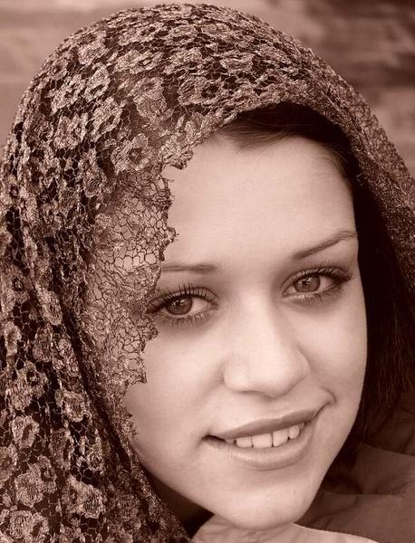 Lucy under veil by fasfoto