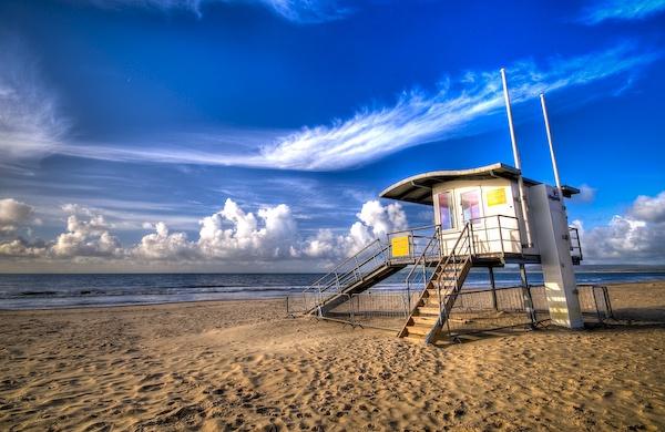 Beach Hut by pixelboy