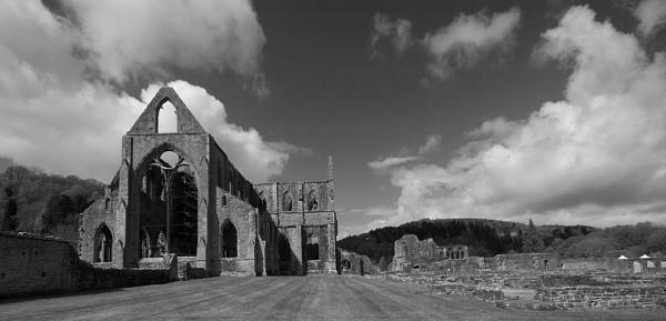 Tintern Abbey by strawman