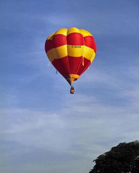 Hot Air Balloon by jinstone