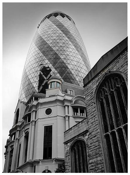 London Landmarks: the Gherkin by Vixs