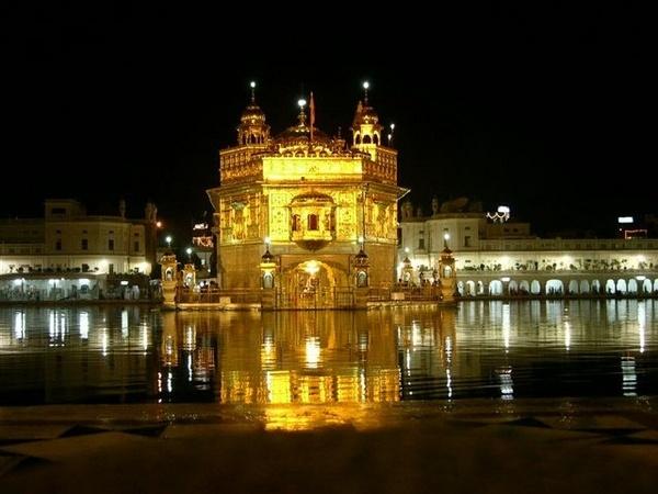 Golden Temple, Amritsar by Tigress