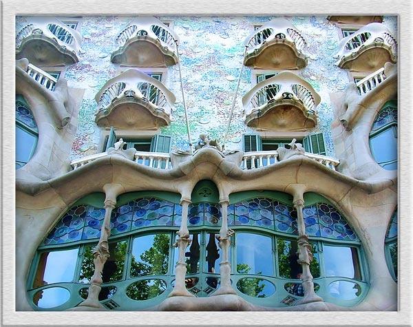 Casa Batllo by Val Prowse