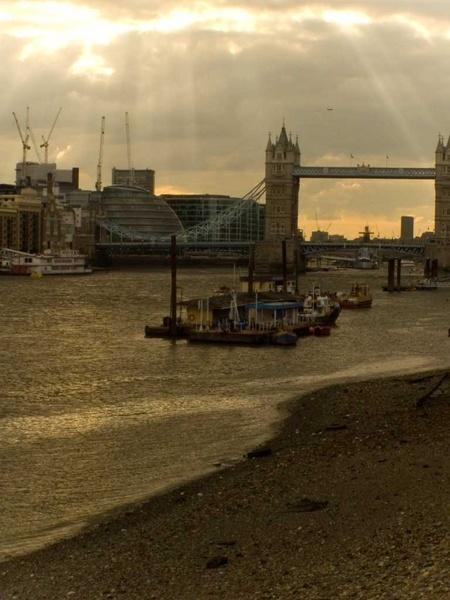 london spring dusk by chris631uk