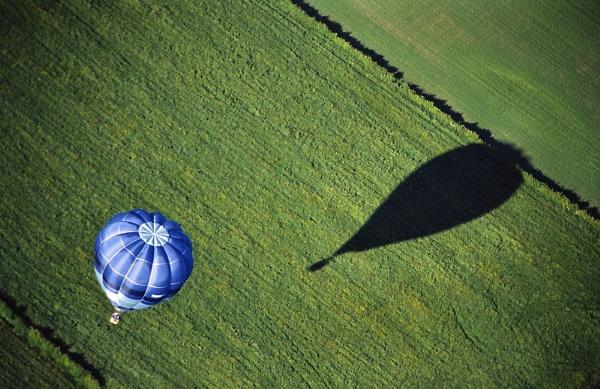 Blue Balloon by jinstone