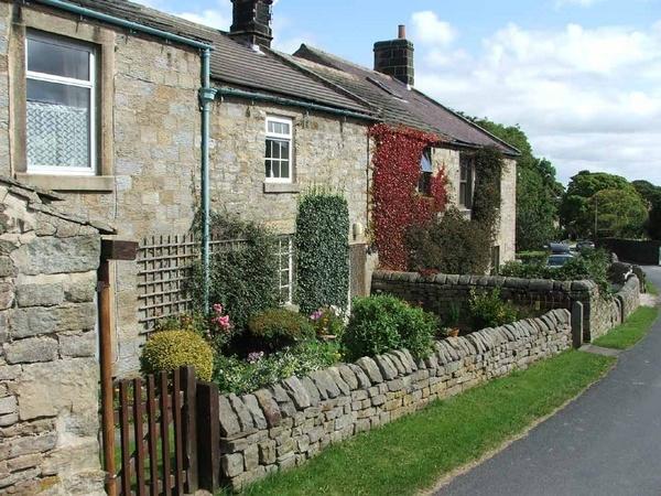 Cottage by GDCsparky