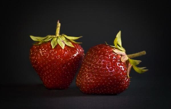 Strawberries by olesyak