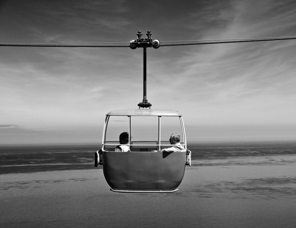 Cable Car by darrenphotography