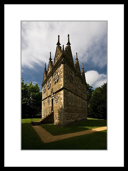 Rushton Triangular Lodge by DiegoDesigns
